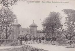 MILITARIA . Château D'OLERON   (17) Porte De Dolus . Disciplinaires En Promenade - Casernes