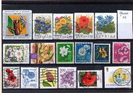 Thématique Fleurs, Lot De 17 Timbres, Lot N° 12 - Autres