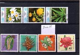 Thématique Fleurs, Lot De 8 Timbres, Lot N° 26 - Autres