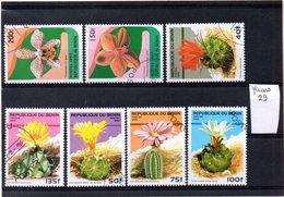 Thématique Fleurs, Lot De 7 Timbres, Lot N° 29 - Autres