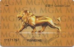 Carte De Membre Casino : MGM Grand Macau Macao : Gold Avec Lion Au Dos - Cartes De Casino