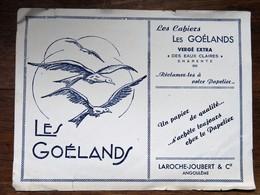 Buvard : LES GOELANDS , Les Cahiers, LAROCHE JOUBERT, Angoulème - Stationeries (flat Articles)