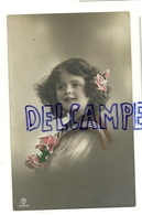 Photographie. Petite Fille Et Roses P.M.B. 1912 - Ritratti