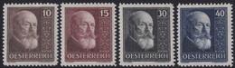 Osterreich      .   Yvert   .   374/377      .    *     .    Ungebraucht    .    /    .   Mint-hinged - 1918-1945 1ste Republiek