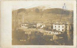 Carte-Photo à Identifier - Guerre Des Balkans? Macédoine? - Ville Sous La Montagne Enneigée, Minaret - Postcards