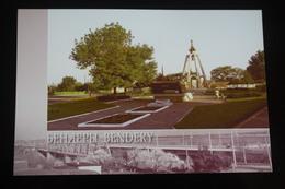 Moldova / Transnistria (PRIDNESTROVIE). Bendery . Military Memorial -  Modern Postcard - Armoured Personnel Carrier - Moldavie