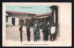 AFRIQUE - COTE D'IVOIRE - Fillettes Apportant Du Caoutchouc - Côte-d'Ivoire