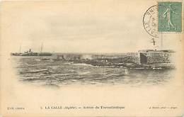Pays Div -ref P931- La Calle - Arrivée Du Transatlantique - Bateaux - Bateau Transatlantique   -carte Bon Etat- - Autres Villes
