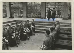 NSDAP - Generalfeldmarschall Keitel & Gauleiter Giesler - Ehrentempel Für Die Gefallenen Des 9 Nov. 1923 - München, 1943 - Krieg, Militär