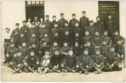 WW 26 NYONS. Groupe De Militaire Du 17° Régiment D'Infanterie 1915. Photo Carte Postale - Nyons