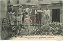 WW 63 LAQUEUILLE. Très Rare Sur Delcampe : Ouvriers Clermontois Travaillant à La Construction De La Boulangerie Ganne - France