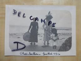 17 CHATELAILLON - FEMMES BOURGEOISES A LA PLAGE 1910 PHOTO - Châtelaillon-Plage