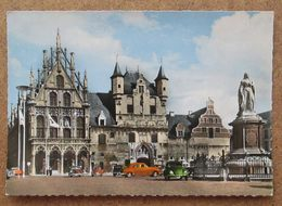 (K54) - Mechelen - Stadhuis, Oude Lakenhallen En Standbeeld Margaretha Van Oostenrijk + VW Cocinnelle Kafer - Malines