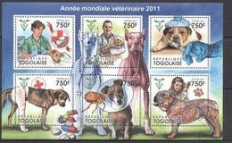 Togo  2011 Nobel Red Cross Croix Rouge Dogs Chiens MNH - Nobel Prize Laureates