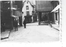 35 - VITRE - T.B Photo Animée ( 8.7 Cm X 6 Cm ) Un Officier Allemand Qui Pose Devant La Boucherie/charcuterie - 1942 - Vitre