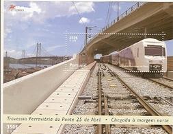 Portugal ** & Train Crossing  25th  April Lisbon`s Bridge 1999 (220) - 1910-... République