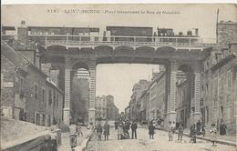 Carte Postale Ancienne De Saint Brieucpont Traversant La Rue Couédic - Saint-Brieuc