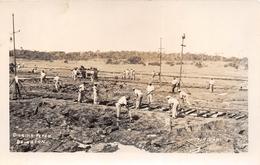 ANTILLES - Carte-Photo De TRINIDAD Et TOBAGO - Construction De La Ligne De Chemin De Fer - Digging Pitch Brighton - Trinidad