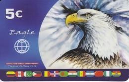 TARJETA DE ESPAÑA DE UN AGUILA DE 5 EUROS CON BANDERAS DE DIVERSOS PAISES - Águilas & Aves De Presa