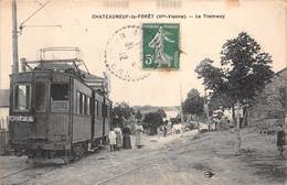 87 - Chateauneuf-la-Forêt - Gros Plan Sur Le Tramway - Une Belle Animation - Chateauneuf La Foret