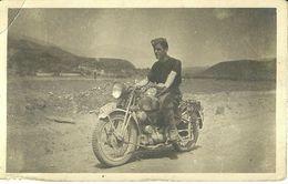 "2377 "" MOTOCICLETTA MILITARE ITALIANA, IIWW, ANIMATA "" FOTOCARTOLINA ORIG. - Guerre, Militaire"