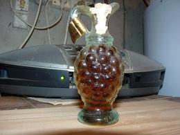 Mignonette Cruche En Forme De Grappe De Raisin Vin De Muscat - Miniatures