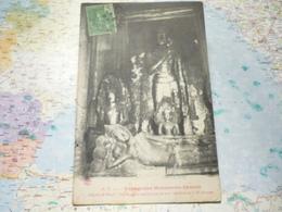 Voyage Aux Monuments Khmers Angkor Wat Le Boudha Couché Sous La Tour Médiane De La 3-e Terrasse - Cambodia