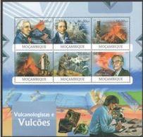 Mozambique   2012 Minerals Minéraux Lacroix Dolomieu Olivine  MNH - Mineralen