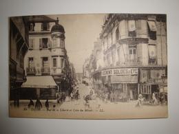 21  Dijon  Rue De La Liberté Et Coin Du Miroir Avec Belle Animation .café Xertigny - Dijon