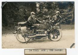 Moto, Photo-Carte, La Famille Lamote Au Départ D'une Course  Une Moto ACE ACE Motor Corporation (aussi Connu - Photos