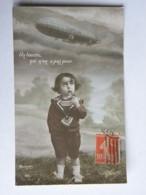 CPA Militaria 14/18 - Dirigeable ZEPPELIN - Un Loustic Qui N'en A Pas Peur - Enfant Fumant La Pipe En Levant Les Yeux Au - War 1914-18