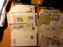 LOT  DE LETTRES DIVERS PAYS DE BELLES LETTRES ET SERIES  TRES BONNE COTE - Briefmarken