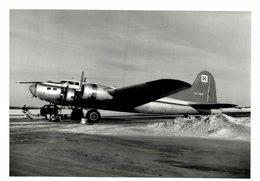 BOEING B-17 FLYING FORTRESS      11 * 8 CM - Aviación
