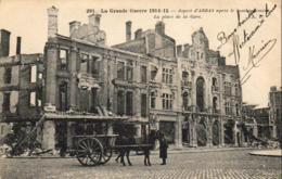 MILITARIA  GUERRE 1914- 18  ARRAS  Après Le Bombardement- La Place De La Gare  ..... - Guerre 1914-18