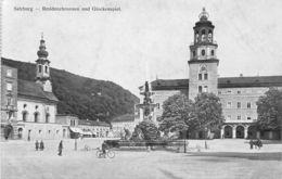 Salzburg Residenzbrunnen Und Glockenspiel - Salzburg Stadt