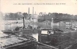 PENICHES - Péniches En Bon 1er Plan à SAINT DENIS Près Du Pont - CPA - Barge Lastkähne Aken Chiatte Barcazas Barcaças - Hausboote