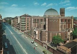 "2448 "" TORINO-CORSO G. CESARE - CHIESA B.V. MARIA REGINA PACIS -VETTURE ANNI '70 "" CART. POST.ORIG. NON SPEDITA - Churches"