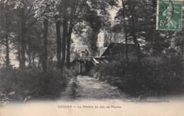 95 - ECOUEN - Le Chemin Du Jeu De Paume - Ecouen
