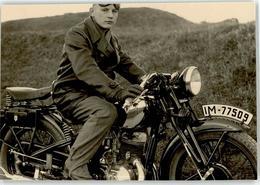 52623974 - Motorradfahrer Handschuhe Kennzeichen IM-77509 - Motorräder