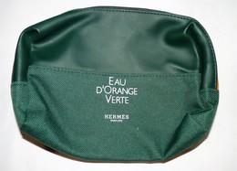 POCHETTE TROUSSE DE TOILETTE HERMES PARFUM ETAT NEUF - Accessoires