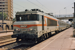 Toulon (83 - France) Septembre 1992 - La BB 22341 En Tête Du Train 342 « Le Ligure » - Toulon