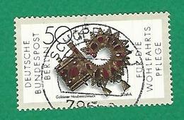 1987 N° 754 OEUVRES D'ART ORNEMENT DE BONNET EN OR OBLITÉRÉ  TB - Berlin (West)
