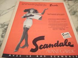 ANCIENNE  PUBLICITE LA PLUS GRANDE DECOUVERTE LA GAINE SCANDALE 1955 - Habits & Linge D'époque
