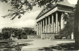 Budapest (Hungary, Ungheria) Nemzeti Muzeum, Museo Nemzeti, Nemzeti Museum - Ungheria