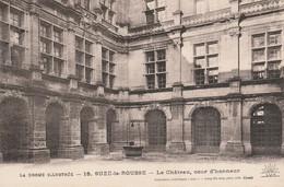 Drome : SUZE-la-ROUSSE : Le Chateau, Cour D'honneur - Francia