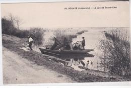 44 BOUAYE, Le Lac De Grand Lieu, Pêcheurs Et Nasses De Pêche, Animée - Bouaye