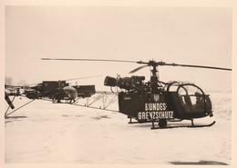 Rare 3 Photos 7.5 X 10.5 Cm Hélicoptère Alouette De La Bundes-Grenzschutz (garde Frontière) Dans La Neige - 1939-45