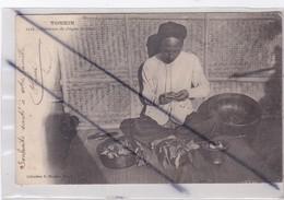 Viêt-Nam ; Tonkin . Fabricant De Chiques De Bétel (carte Précurseur De 1904) - Vietnam