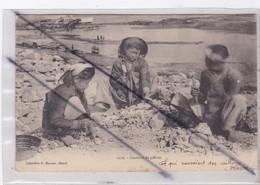 Viêt-Nam ; Tonkin . Casseurs De Pierres (carte Précurseur ) - Vietnam