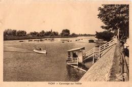 CPA Vichy - Canotage Sur L'Allier - Vichy